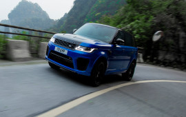 Vượt siêu xe, Range Rover Sport SVR xác lập kỷ lục mới