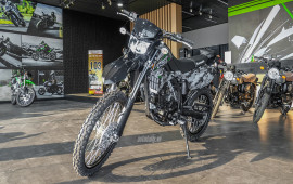 Cận cảnh Kawasaki KLX 250 2018 giá 145 triệu đồng tại Việt Nam