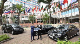 Mercedes-Benz Việt Nam bàn giao đội xe sang cho khách sạn Meliá Hanoi