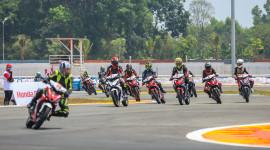Khai màn Giải đua xe môtô toàn quốc Cúp vô địch quốc gia 2018