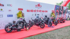 """Hàng trăm môtô """"khủng"""" quy tụ tại Sài Gòn"""
