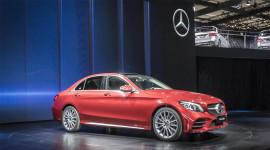 Mercedes-Benz C-Class L Sedan trình làng