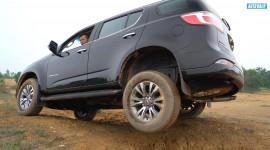 """Chevrolet Trailblazer offroad """"dễ như ăn kem"""": Thách đấu """"thánh"""" Fortuner"""