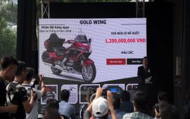 """""""Vua đường trường"""" Honda Gold Wing chính hãng giá 1,2 tỷ đồng tại Việt Nam"""