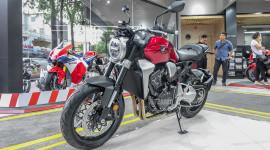Cận cảnh Honda CB1000R 2018 giá 468 triệu đồng