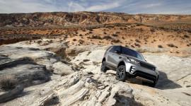 Land Rover phát triển xe tự lái vượt địa hình