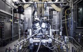 Động cơ V8 của siêu xe Aston Martin Vantage được tạo ra như thế nào?