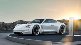 Taycan: Chú ngựa dũng mãnh của Porsche
