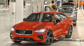 Volvo S60 2019 cạnh tranh Mercedes-Benz C-Class, giá từ 35.800 USD