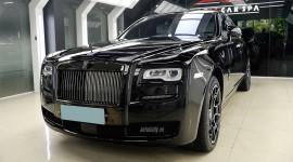 Siêu phẩm Rolls-Royce Ghost Black Badge EWB độc nhất Việt Nam