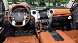 Chi tiết nội thất Toyota Tundra 1794 Edition 2018 tại Việt Nam