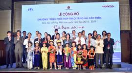 Honda Việt Nam trao tặng 1,95 triệu MBH cho học sinh lớp 1