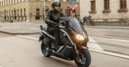 """Loạt xe BMW Motorrad """"khoác"""" bộ cánh mới"""