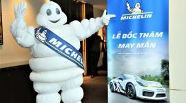 """Mua lốp Michelin, 6 khách hàng Việt """"tậu"""" chuyến đua xe thể thao ở Thái"""
