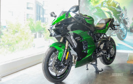 """Cận cảnh """"siêu môtô"""" Kawasaki Ninja H2 SX đầu tiên tại Việt Nam"""