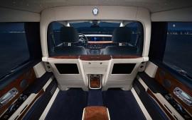 Sự đặc biệt của vách ngăn trên Rolls-Royce Phantom VIII