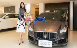 Á hậu Thuý Vân tậu Maserati Quattroporte gần 8 tỷ đồng