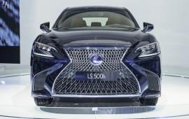 Không có xe Lexus chính hãng nào bán ra trong tháng 8