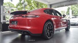 Ảnh chi tiết Porsche Panamera màu hiếm giá 6,3 tỷ đồng