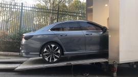 Xe VinFast được di chuyển từ Ý tới Paris Motor Show 2018