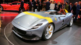 Siêu phẩm Ferrari Monza SP1 và SP2 tại sân khấu Paris Motor Show