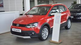 Volkswagen Cross Polo giá 725 triệu cạnh tranh Toyota Yaris