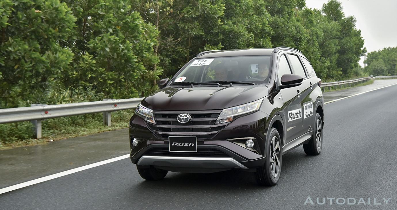 Bảng giá tất cả các mẫu xe Toyota cập nhật tháng 10/2018