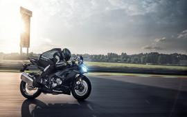 Kawasaki Ninja ZX-6R 2019 thêm công nghệ mới, giá gần 11.000 USD