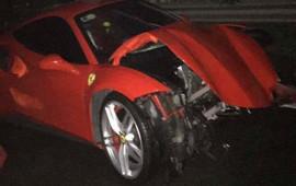 Siêu xe Ferrari 488 GTB tai nạn nát đầu tại Việt Nam