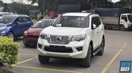 Cận cảnh Nissan Terra cạnh tranh Fortuner vừa về Việt Nam
