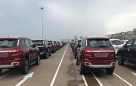 Ôtô nhập khẩu vào Việt Nam tăng mạnh mùa cuối năm