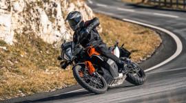 Trình làng mô tô địa hình KTM 790 Adventure 2019