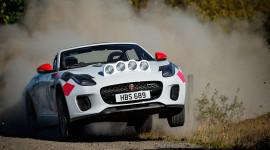 Jaguar trình làng F-Type phiên bản việt dã kỷ niệm 70 năm