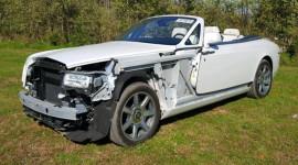 Tai nạn nát đầu, xe Rolls-Royce rao bán giá dưới 100.000 USD
