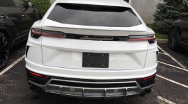 Lamborghini Urus đầu tiên tại Việt Nam về tay đại gia nào?