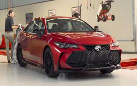 Hé lộ Toyota Avalon và Camry TRD trước khi ra mắt