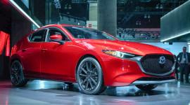 """Chiêm ngưỡng Mazda3 2019 """"bằng xương bằng thịt"""" vừa ra mắt"""