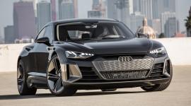 Audi e-tron GT lộ diện với thiết kế tuyệt đẹp