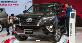 Phân khúc SUV 7 chỗ ngồi, Toyota Fortuner vẫn không có đối thủ