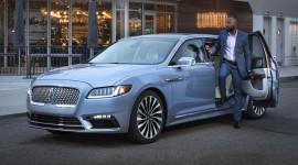Lincoln trình làng sedan mở cửa như Rolls-Royce, giá 100.000 USD