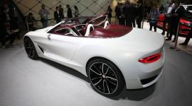 Bentley đang mất dần khách hàng vào tay Porsche và Tesla