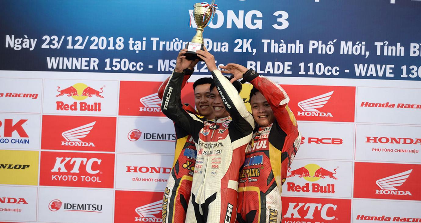 Chặng 3 Giải đua xe mô tô Việt Nam 2018: Lộ diện 4 nhà vô địch