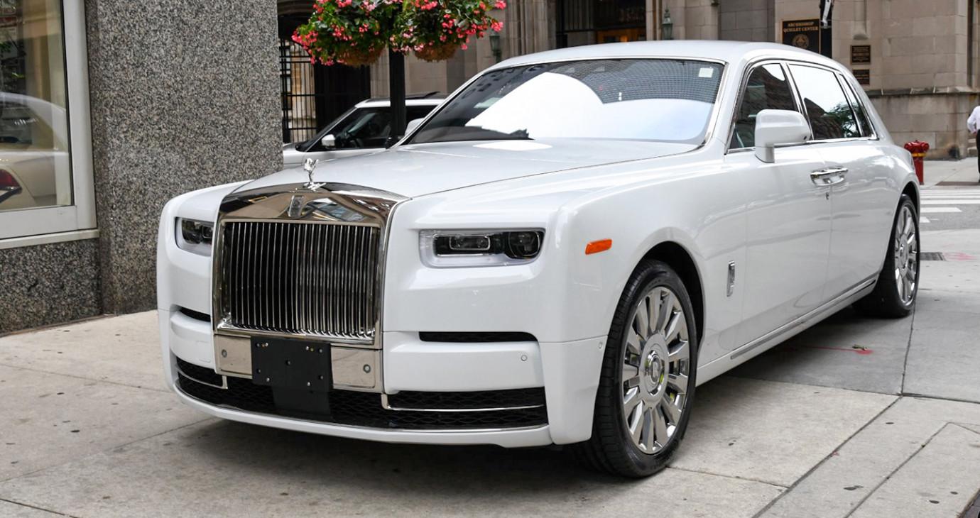 Rolls-Royce phantom EWB 2018 được chào bán giá hơn 55 tỷ