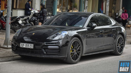 Porsche Panamera biển tứ quý trang bị nhiều tuỳ chọn đắt giá