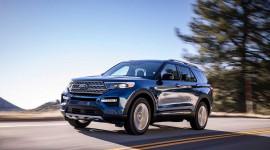 """Video: Ford Explorer 2020: """"Gấu"""" hơn, màn hình cảm ứng dọc"""