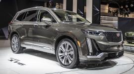"""Diện kiến Cadillac XT6 """"bằng xương bằng thịt"""" đấu Audi Q7"""