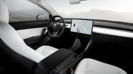 Tesla Model 3 là xe hạng sang bán chạy nhất tại Mỹ 2018