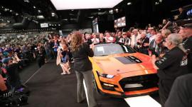 Chiếc Ford Mustang Shelby GT500 2020 đầu tiên có giá 1,1 triệu USD