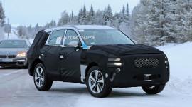 Genesis GV80 2020 đấu với BMW X5 lộ diện trên đường thử