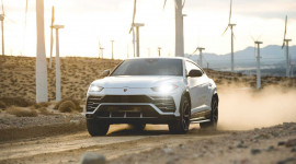 Thuê siêu SUV Lamborghini Urus với giá 1.300 USD/ngày